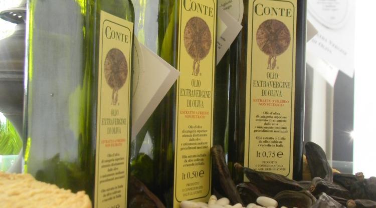 bottliglie di Olio Conte